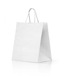 Белая сумка для покупок крафт на белом фоне