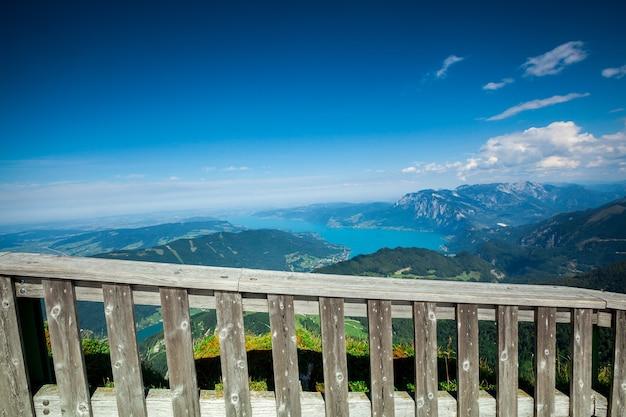 オーストリアの背景パノラマ山