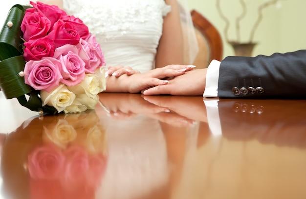 結婚披露宴での美しいブライダルブーケ