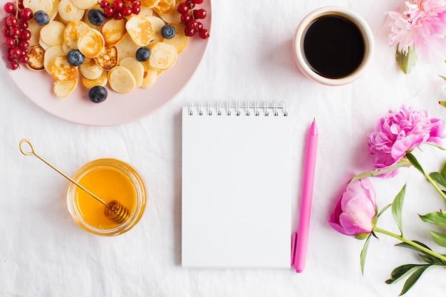 あなたのテキストのための空白のノート