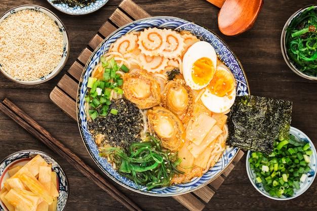 전복 라멘 한그릇