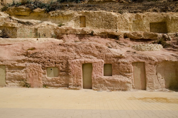 Almeria andalusia spain 산에 파낸 동굴 집