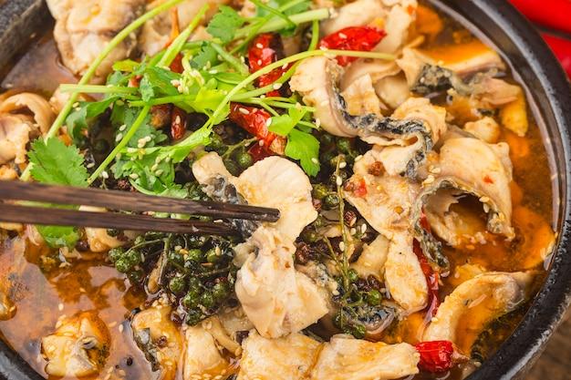 中国の珍味:煮魚