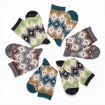 Коллекция разноцветных эластичных носков для спорта и отдыха