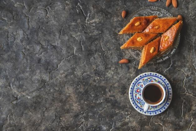 トルコのコーヒーとバクラバ。