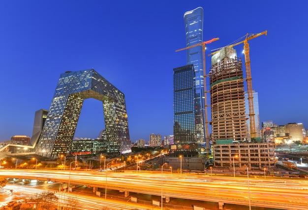 황혼의 시간에 유명한 랜드마크 건물 중국 cctv cctv