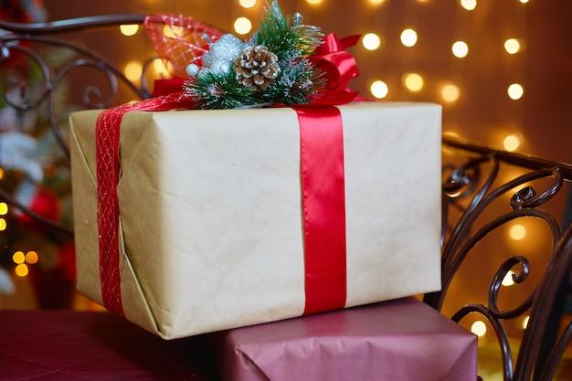 クリスマスと新年のためのギフトボックス