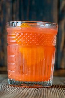 オレンジブロッサムカクテルのグラス