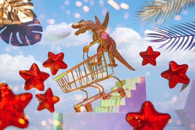 Золотой динозавр на крыльях с тележкой спускается по лестнице за покупками по небу
