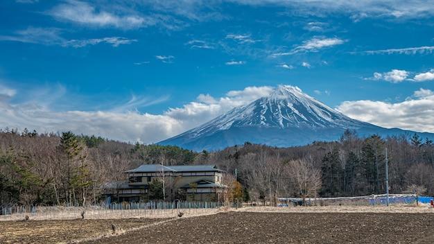 Великолепный вид на гору фудзи