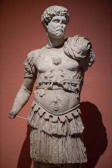 Историческая статуя римского периода