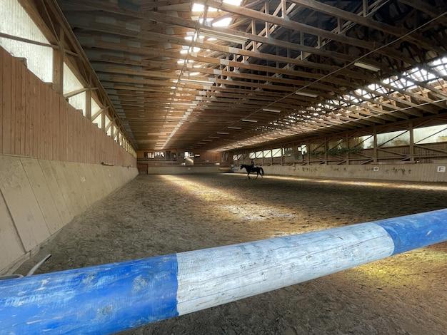 アストリアのマネゲの馬小屋にいる馬