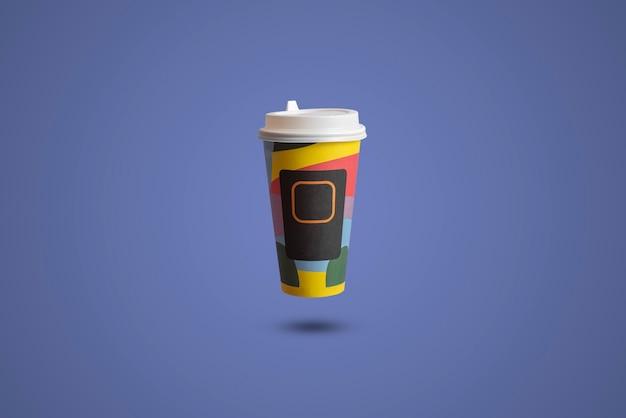 종이 테이크 아웃 커피 컵의 고립 된 모형 템플릿