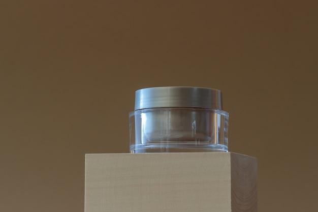 クリームの瓶。化粧品。スキンケア。