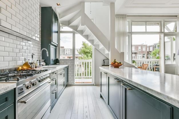 豪華で美しいキッチンのインテリアデザイン