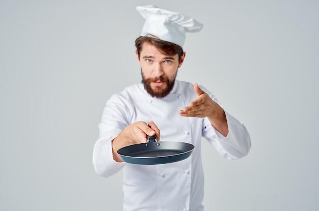 요리사 유니폼 레스토랑 서비스 제공의 남자