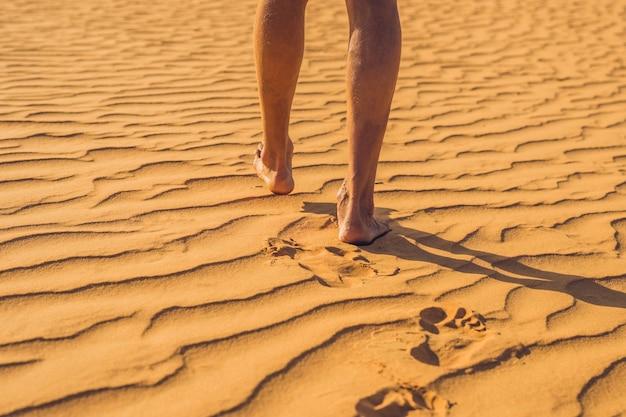 ベトナムの赤い砂漠で迷子になった男、ムイネー。