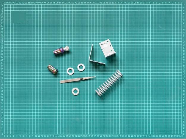금속 엔지니어링 예비 부품은 평평한 평지, 도구 및 장비 프로젝트를 자세히 설명합니다.
