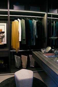 일부 영화 촬영을 위한 미니 옷장의 모형 방
