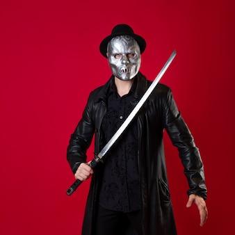ノワール風の謎の忍者暗殺者。黒い服を着た男