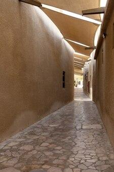 ドバイの旧市街バスタキアの狭い通り