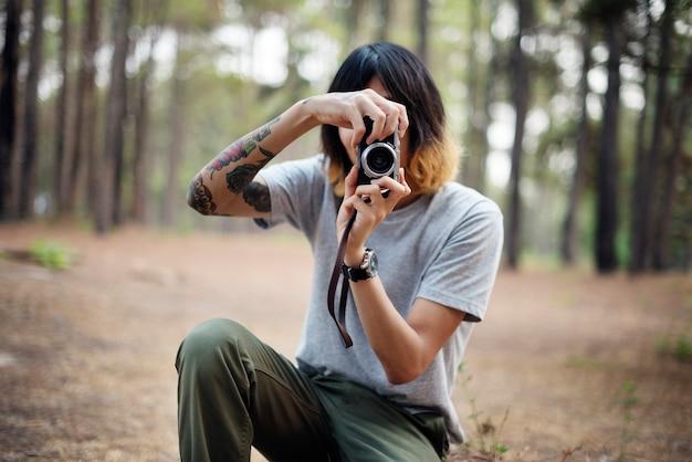 Фотограф в лесу