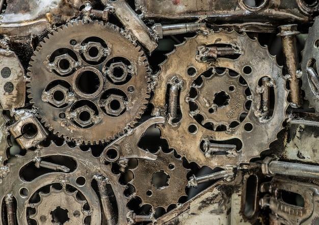 溶接された歯車の山。マクロビュー