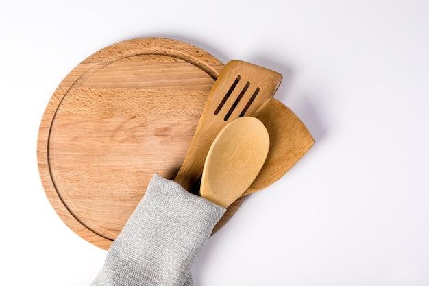調理用の台所用品のセット。
