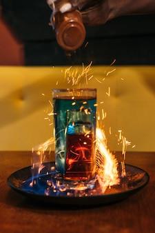 Шот с огнем и корицей