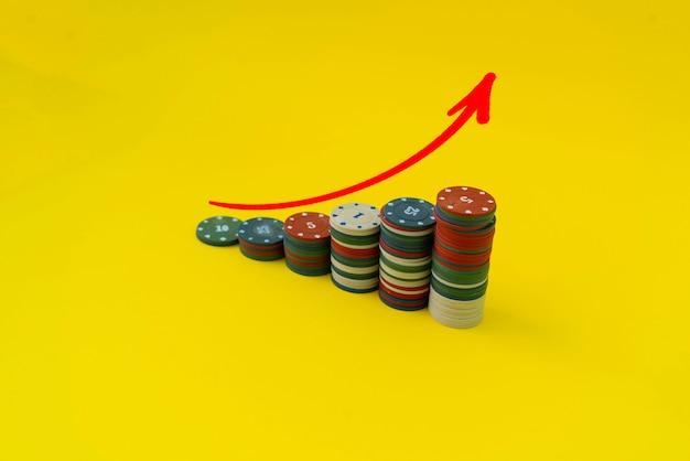 간단한 동전 스택 그래프 상승, 소득 자산 투자의 개념, 재정적 성공