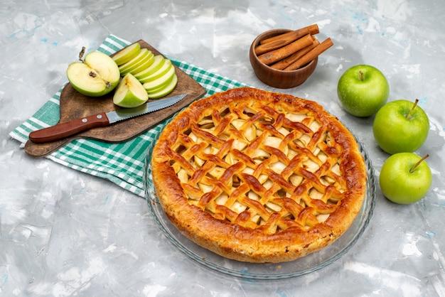 新鮮な青リンゴケーキビスケットシュガーフルーツベークと平面図おいしいリンゴケーキ