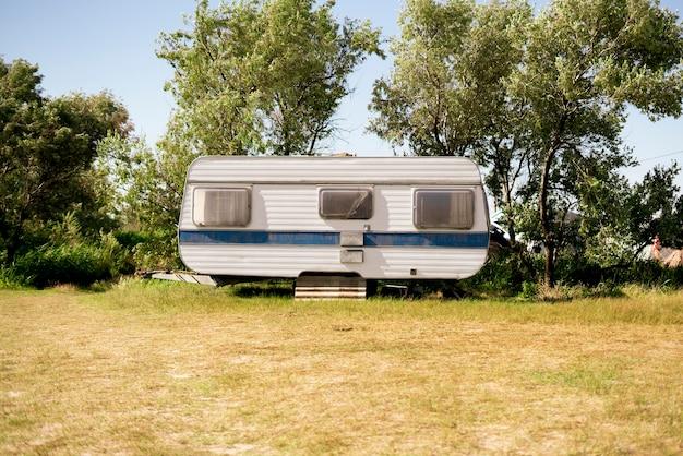 캠핑카와 함께하는 자유여행, 자연 속 캠핑