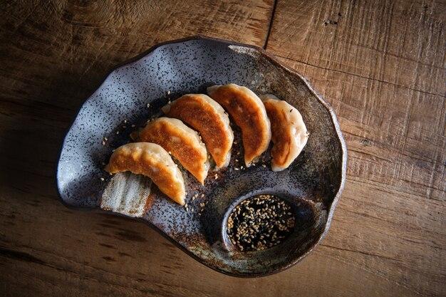 中国、日本、韓国、そしてアジア以外で非常に人気のある典型的な中国の餃子
