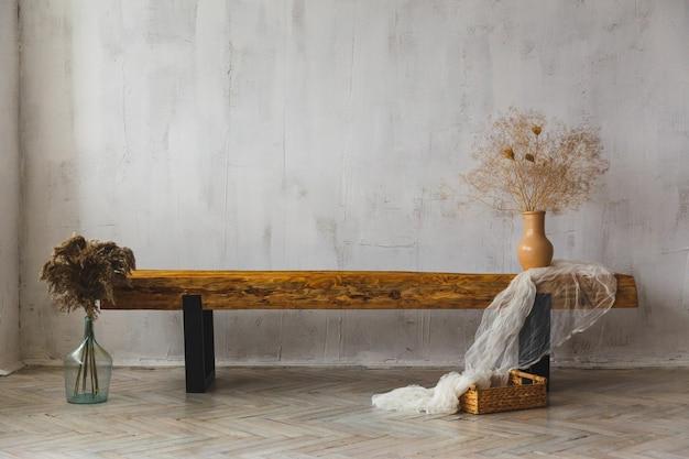Деревянная подставка из реставрированных деревянных балок для тв и аудиотехники для дома в стиле лофт.