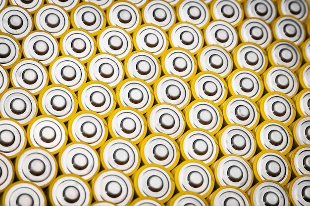 Aa size alkaline batteries