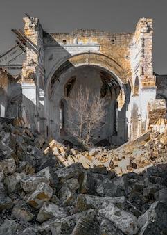 Заброшенный костёл успения пресвятой девы марии в селе каменка, одесская область, украина