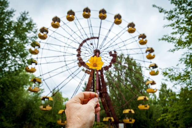 The abandoned ferris wheel in the amusement park in pripyat. chernobyl nuclear power plant zone of alienation