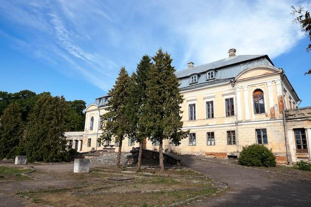 버려진 오래된 건물-18 세기의 궁전 인 svyatsk, 벨로루시, 궁전