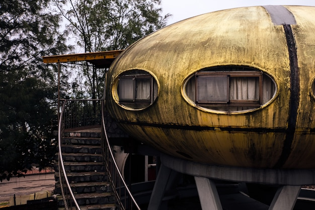 Abandoned ufo house in taiwan