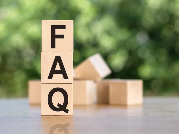 木製の立方体がたくさんある立方体の略語faq