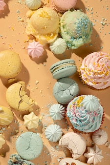 Выше вид вкусная композиция десерта