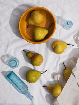 上図梨ボウルと梨の配置