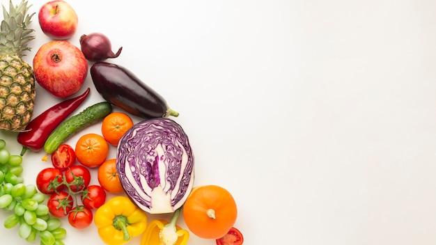 Выше вид овощи с копией пространства