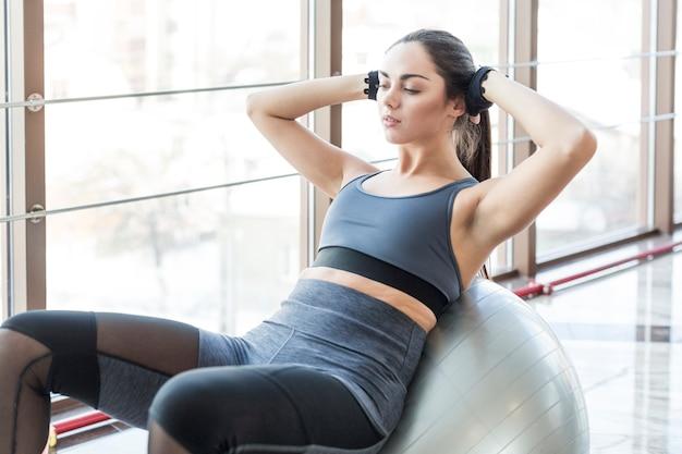 Женская тренировка abs на fit ball