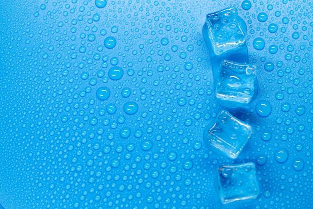 水泡、青い表面テクスチャの角氷の抽象的な背景デザイン