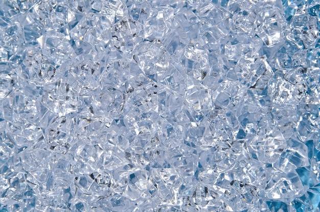 다채로운 밝은 투명 라인스톤 스트라스 결정, 구슬 또는 인공 얼음 결정의 추상적 배경