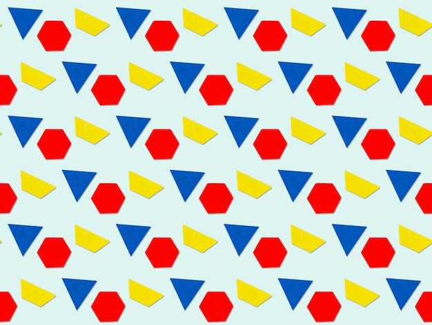 Абстрактный фон с геометрическим многоцветным треугольником, трапецией, шестигранными фигурами. красочный геометрический фон.