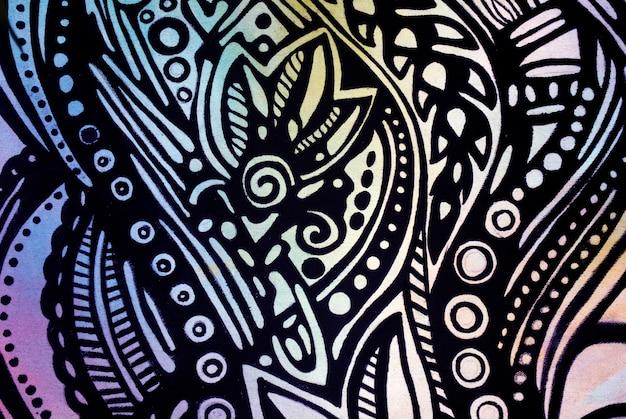 Абстрактный черный узор на акварельной бумаге.