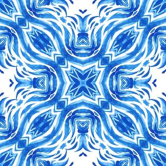 Абстрактные синие и белые рисованной текстурированной плитки бесшовные декоративные акварель. элегантная старомодная текстура. стиль дизайна плитки azulejo