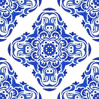 추상 파란색과 흰색 손으로 그린 된 타일 원활한 장식 수채화 물감 페인트 패턴